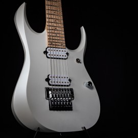 "Shown with optional Bare Knuckle ""Ragnarock"" pickups"